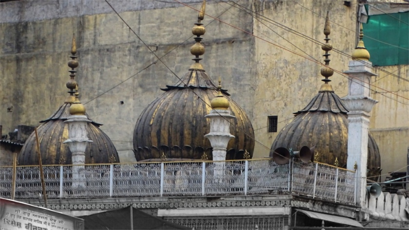 Sunehri masjid is linked to Nadir Shah's sack of Delhi