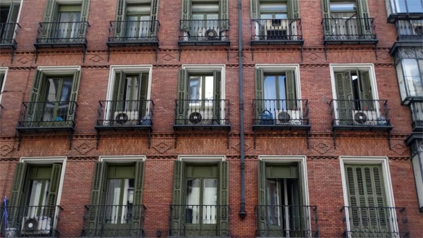 Madrid: off Gran Via, a brick facade